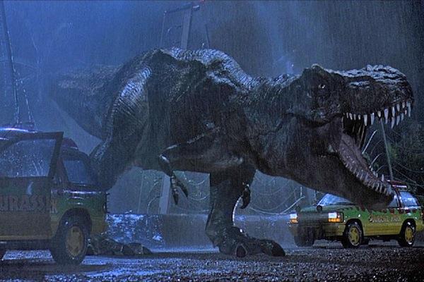 """Image de l'arrivée du T-Rex dans """"Jurassic Park""""."""