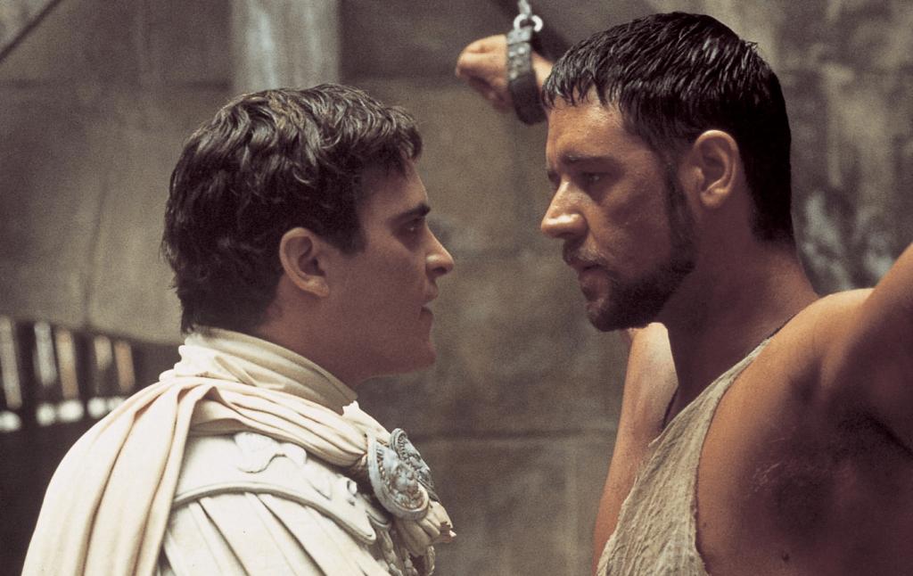"""Image de Joaquin Phoenix et Russell Crowe dans le film """"Gladiator"""" (2000) de Ridley Scott."""