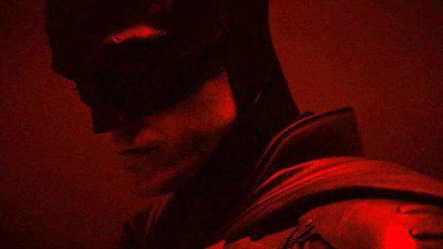 "Image de Robert Pattinson en tant que Batman pour ""The Batman"" de Matt Reeves""."